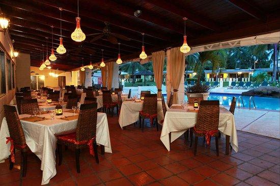 All Seasons Resort Europa : Asian Spice Indian Restaurant at night