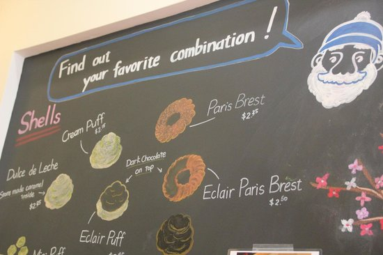 Beard Papa Sweets Cafe : Choose your favorite if you can:)