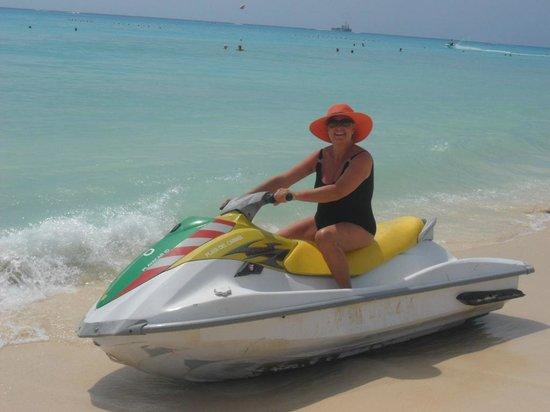 Hotel Riu Playacar: motos de agua