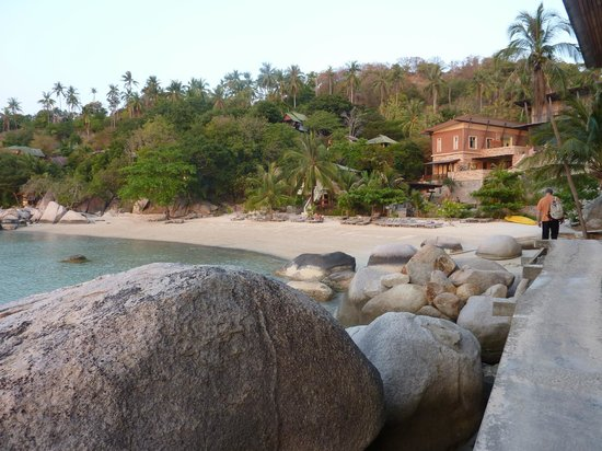 Taatoh Resort & Freedom Beach Resort: chemin menant au resto
