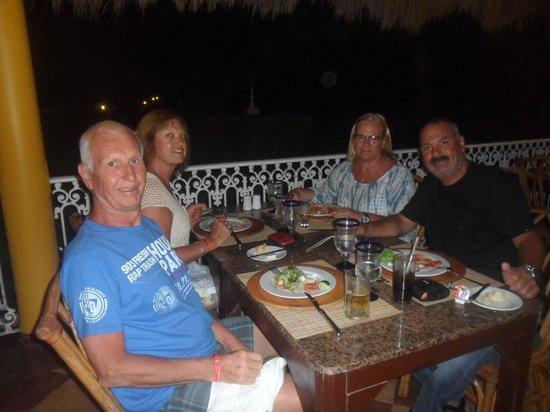Hotel Riu Playacar : cena mexicana