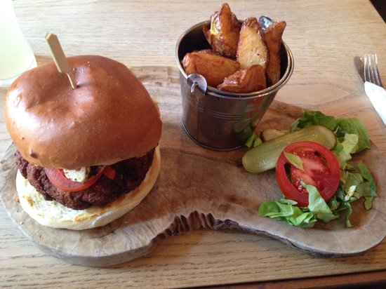 Fat Hippo Jesmond: the big fat beanie burger - so nice!