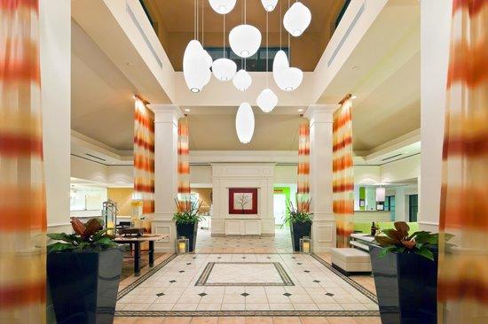 Hilton Garden Inn Atlanta Perimeter Center: Lobby Entrance