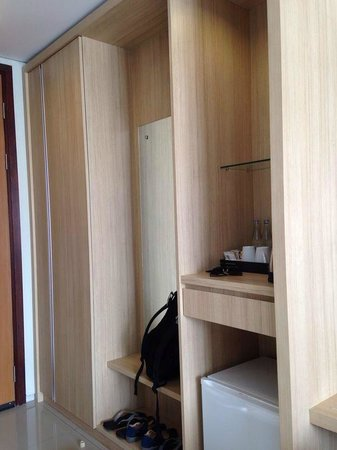 The Kana Kuta : Wardrobe with safety box and complimentary drinks and water heater