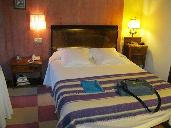 Alevia, España: Cama de la habitación nº 5