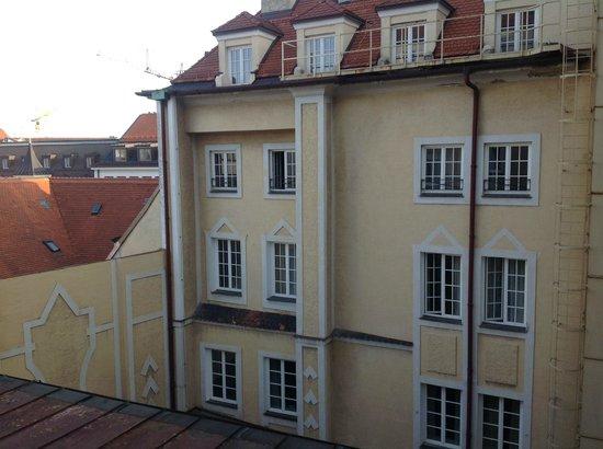 Bayerischer Hof Hotel: Blick nach draußen
