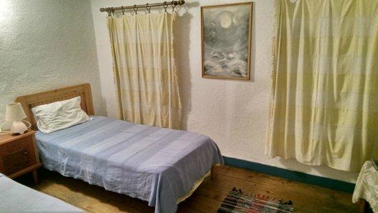 Chios Rooms: Zimmer im Untergeschoss zur Rückseite