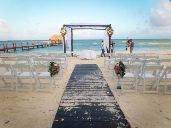 Azul Sensatori Hotel, by Karisma : Their wedding setup after the ceremony