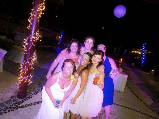 Azul Beach Resort Sensatori Mexico: Us having a great time!