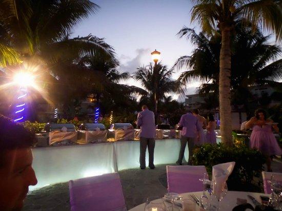 Azul Beach Resort Sensatori Mexico: The buffet
