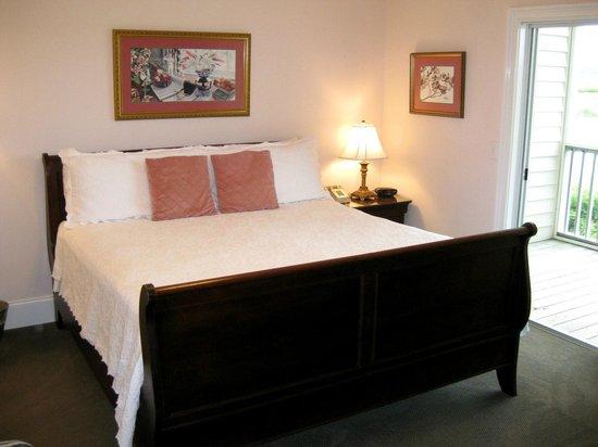 The Sunset Inn : The Dogwood Room