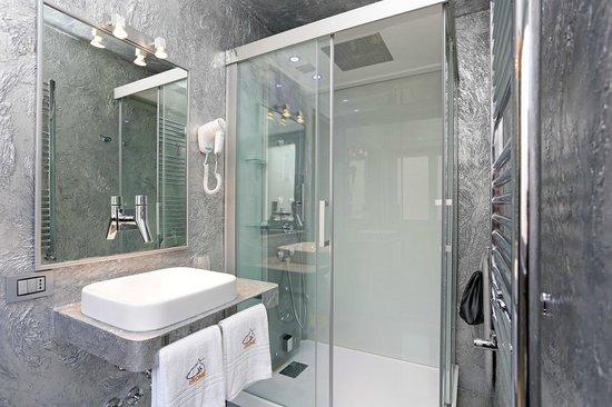 Box idromassaggio cromoterapia bagno turco sala da bagno - Sala da bagno ...