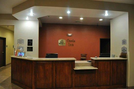 Best Western Oasis Inn : Reception Desk