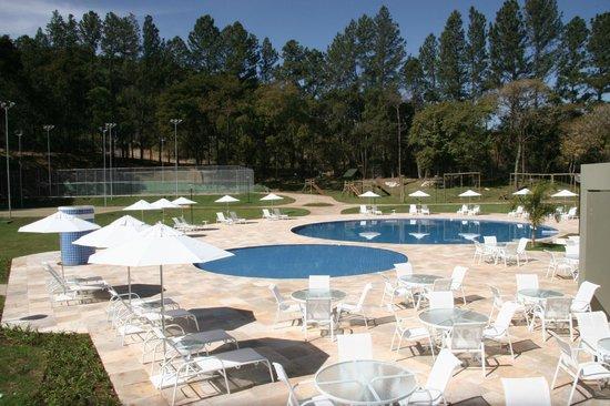 Hotel Nacional Inn Previdencia Araxa: Piscina e Área de Lazer