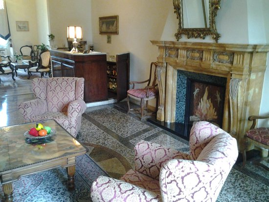 Principe Hotel: the sitting room