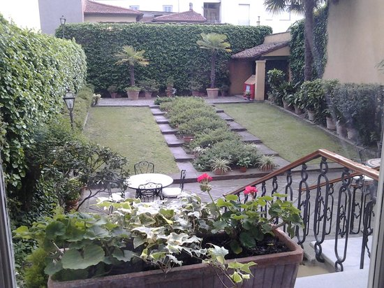 Principe Hotel: the back garden