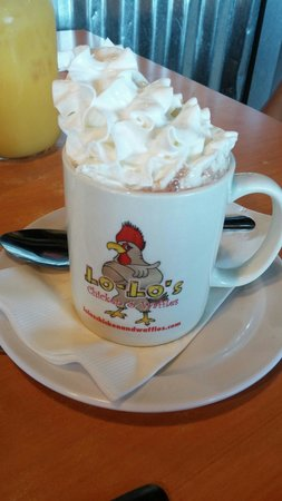 Lo Lo's Chicken and Waffles: Hot chocolate