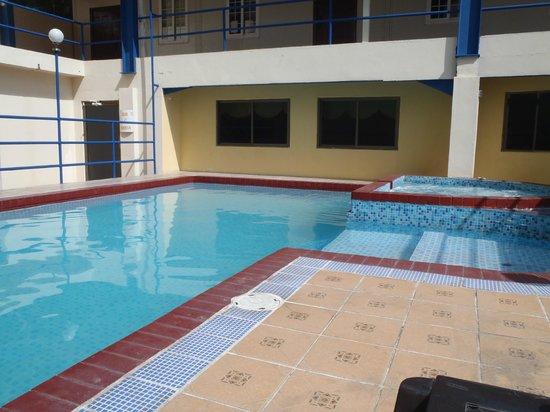 La Cresta Inn : Pool