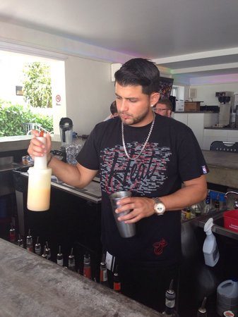 The Royal Palms Resort & Spa: Fierce Juan Tending Bar