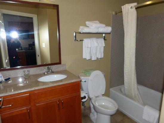 Candlewood Suites Galveston: Bath Room