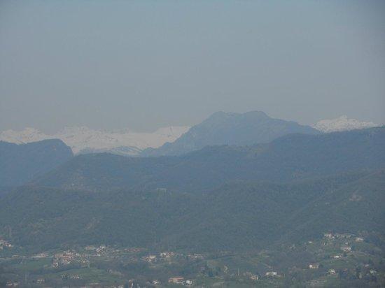 Funicolare San Vigilio : le montagne innevate