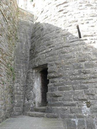 Funicolare San Vigilio: un ingresso del castello