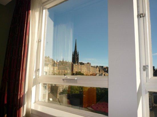 Apex City of Edinburgh Hotel: Vista do nosso quarto!