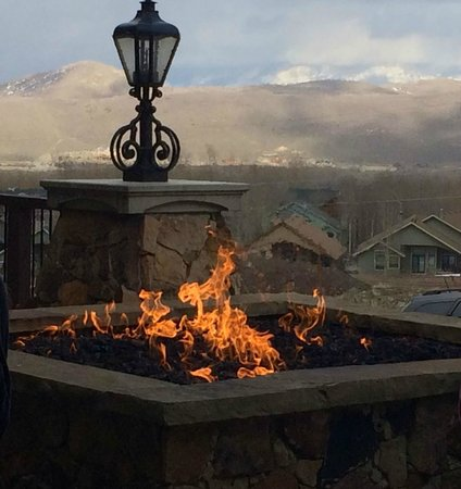 Waldorf Astoria Park City: One of the many beautiful fire pits