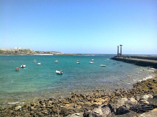 Be Live Experience Lanzarote Beach: mar al lado del hotel