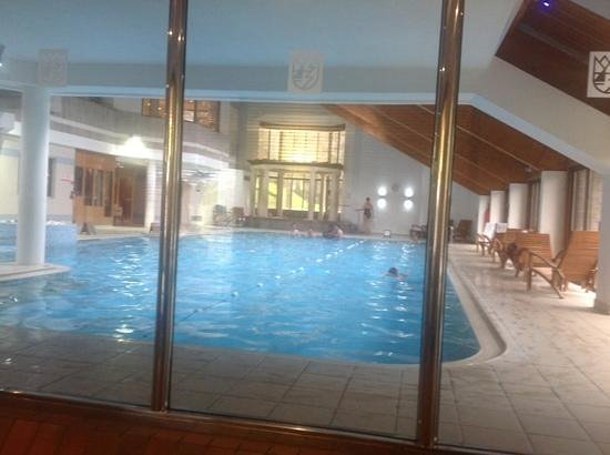 Langdale Hotel: in the pool daily