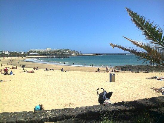 Be Live Experience Lanzarote Beach: Playa al lado del hotel, acceso directo