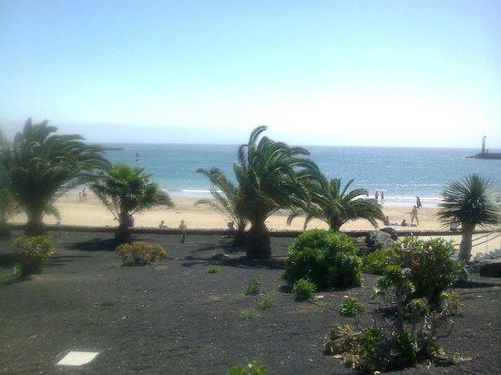 Be Live Experience Lanzarote Beach: Bellos paisaje alrededor del Hotel