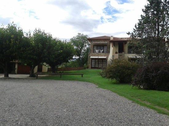Costa Serrana: Entrada al apart...
