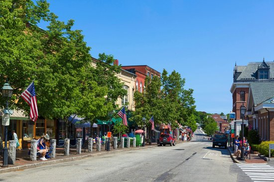 Kennebec Inn: Come see all the great drinking, dining and shopping in Bath