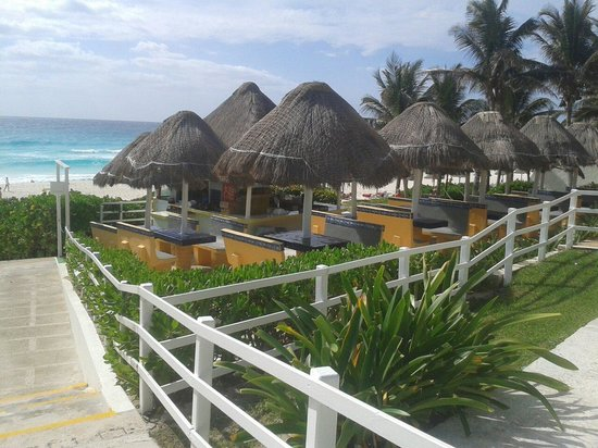Grand Oasis Cancun: Vista al mar