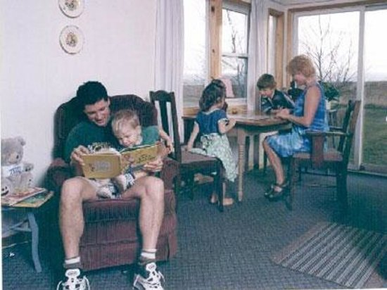 The Birches Housekeeping Cottages: Family time