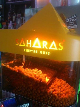 Leatham Park Guest House: Saharas Nuts in the bar