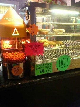 Leatham Park Guest House: Bar snacks
