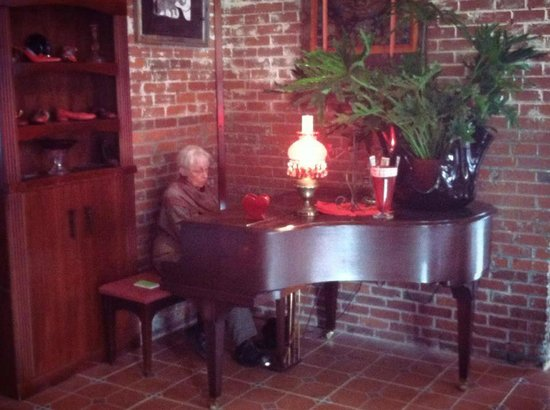 Ruby Slipper : Susan Bennett on the baby grand