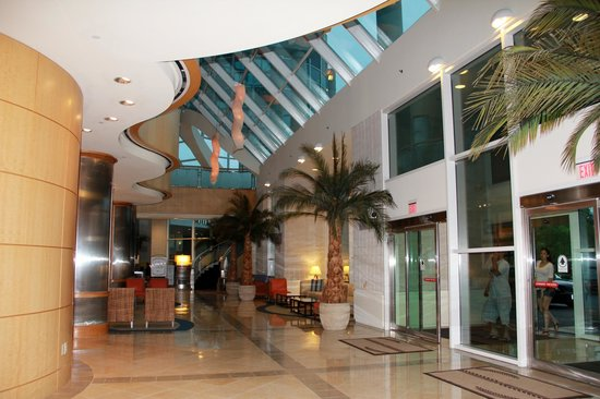Sheraton Myrtle Beach Convention Center Hotel: Hotel front lobby