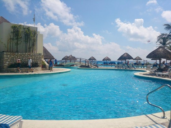 Grand Park Royal Cancun Caribe: piscina recreativa