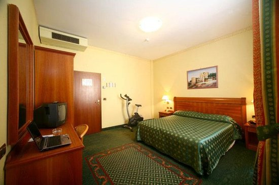 Astoria Hotel Bologna: Room