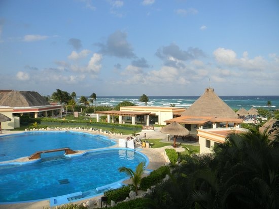Grand Bahia Principe Tulum: View from our 3rd floor room in building #32