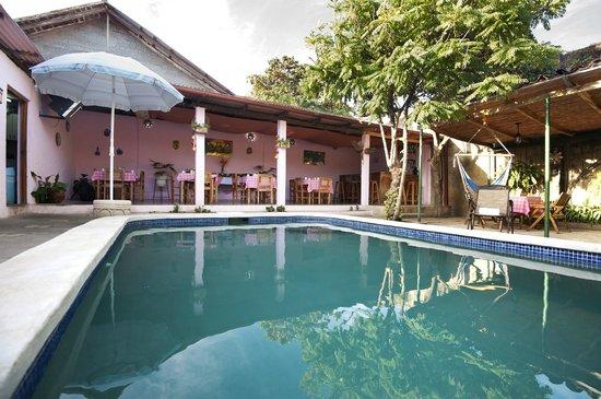 Hotel Kekoldi de Granada: Piscina al aire libre