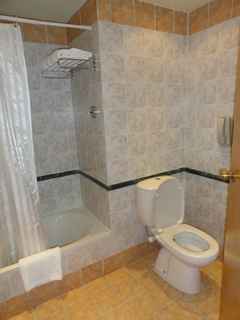 Old Palace Resort: Bathroom
