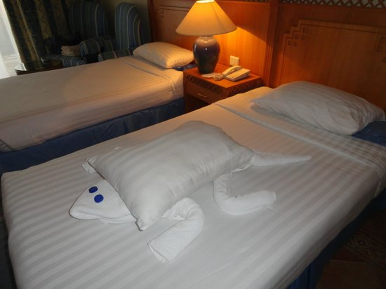 Old Palace Resort: figure towels -  turtle