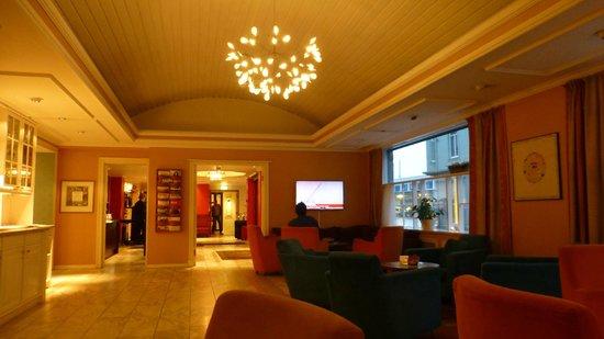 Augustin Hotel : Hall & salle de détente