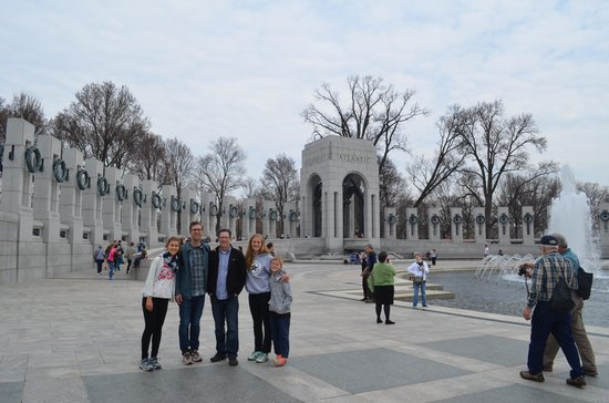 Walk of the Town: WWII Memorial