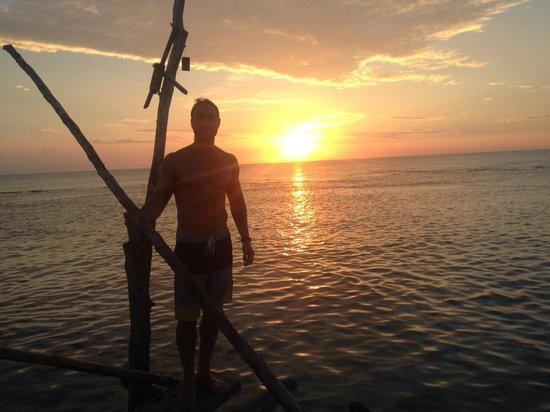JuJu Tours: Pelican Bar sunset