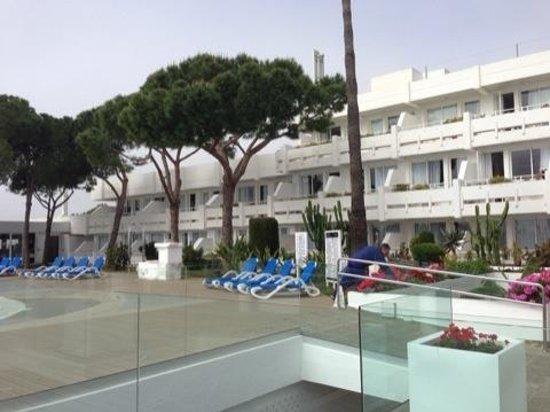 Apartotel Ponent Mar: Poolbereich